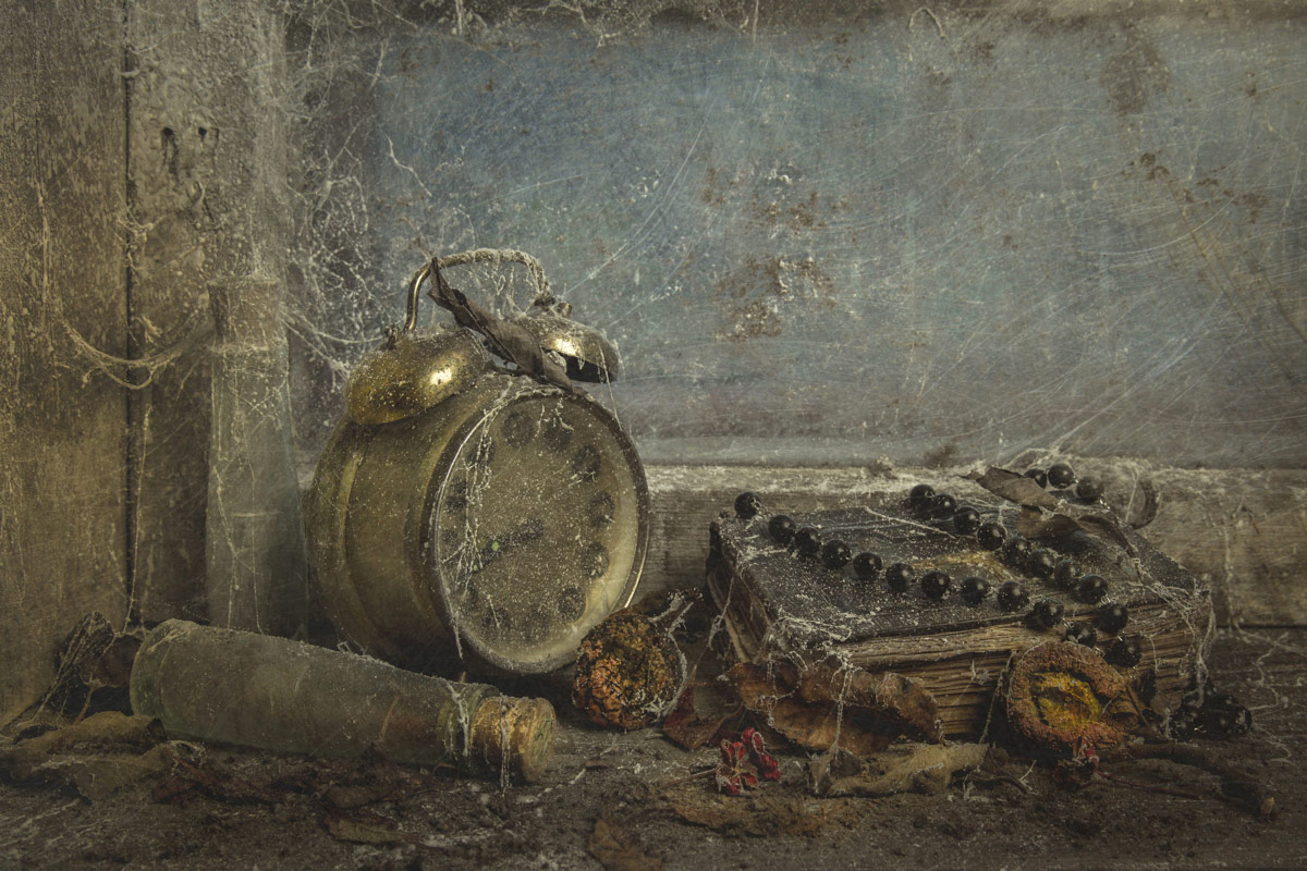 My time machine, © Iwona Czubek, Poland, 3 place in nomination Still life, 35AWARDS Photo Contest