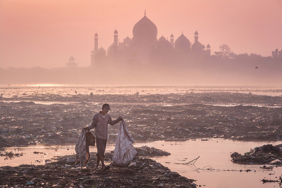 In the Shadow of the Taj Mahal, Mustafa AbdulHadi, India, Allard Prize Photography Competition