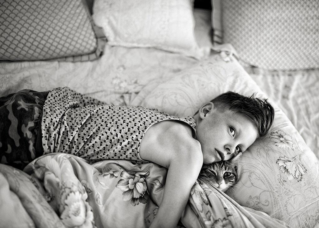 The Embrace, © Caroline Therese Hodge, UK, 1st Place, B&W Child Photo Contest