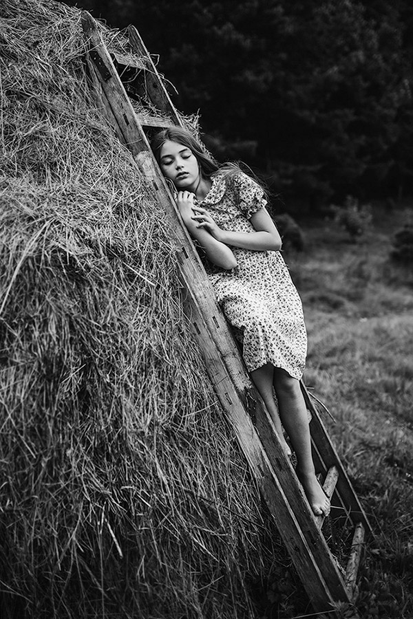 Unity, © Paulina Duczman, UK, 1st Place In The Fine Art Category – Second Half, B&W Child Photo Competition