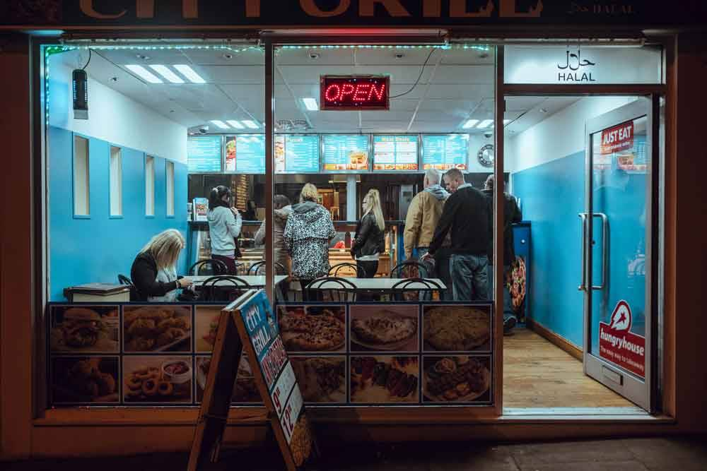 © Nicolas Barber, 0400 Hourly Winner.From the Club to Breakfast, Photo Location: Nottingham, United Kingdom, CBRE Urban Photographer of the Year