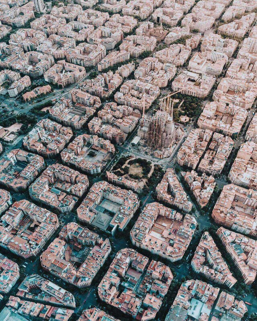 © Ian Harper, 2018 EMEA Winner.Barcelona From Above, Photo Location: Barcelona, Spain, CBRE Urban Photographer of the Year