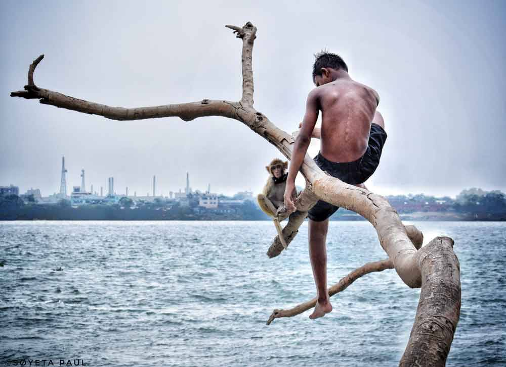 © Soyeta Paul, 16-18 Youth Runner Up. He and His Friend in City of Joy, Photo Location: Kolkata, India, CBRE Urban Photographer of the Year