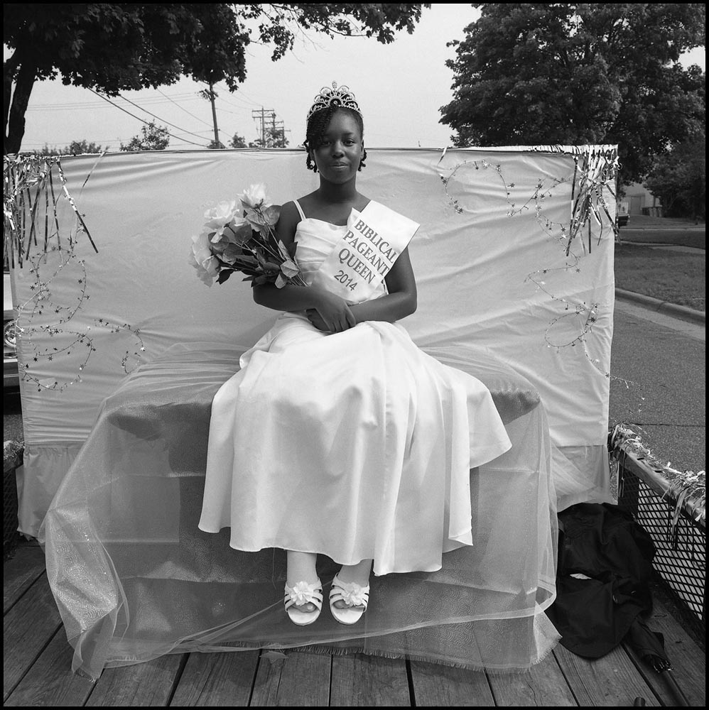 """Biblical Pageant Queen, Rondo Neighborhood, Saint Paul, MN"". Project: Close to Home, © Michael Dvorak, Minneapolis, MN, Center — Review Santa Fe 2017"