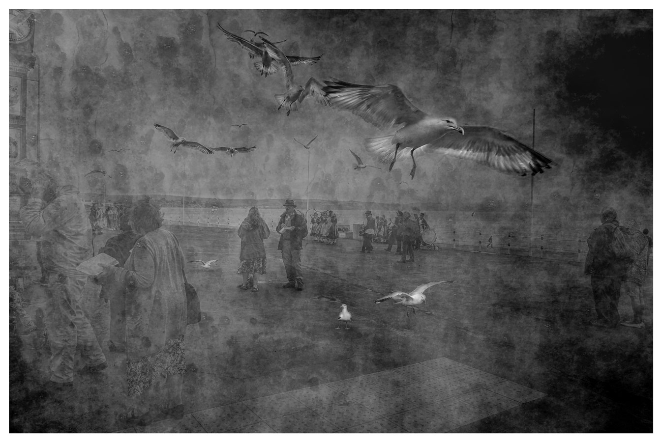 © Stephanus Meyer, Chaos, Weymouth Dorset - Photography 18 x 28, The Chelsea International Photography Competition