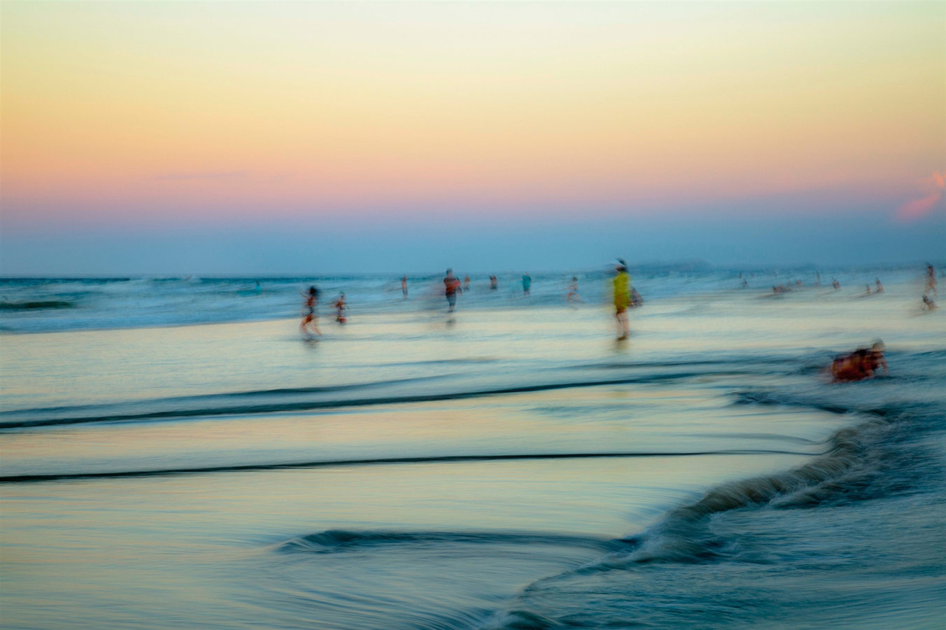 © Renata Vale, At Dusk, Photography 21 x 32, The Chelsea International Photography Competition