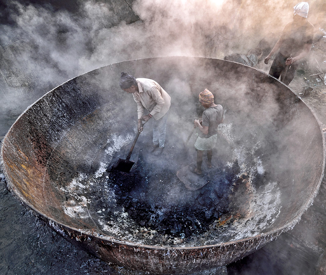 Life in Furnace, © Sudipta Dutta Chowdhury, India, 1st Place Environmental Amateur, Chromatic Photography Awards