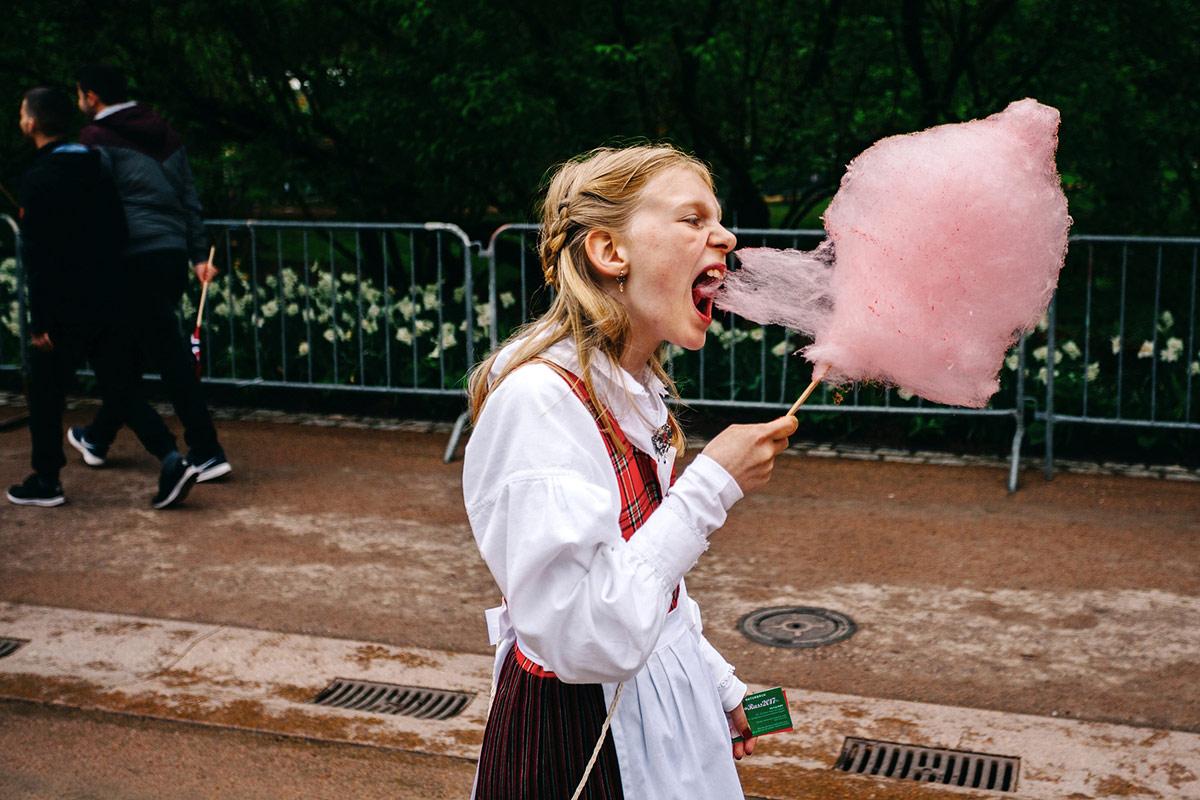 1st Place Street, © Damian Milczarek, Poland, Dziewczyna z wata, Chromatic Awards - International Color Photography Contest