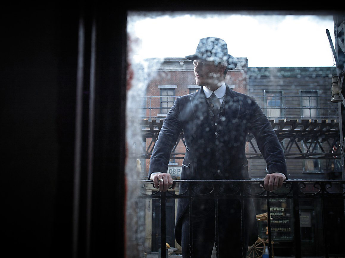 Luke Evans for The Alienist, Photography / Print Advertising / Entertainment, Communication Arts Photography Competition