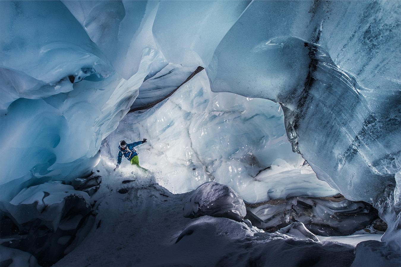 Ice Cave, © Christoph Jorda, CVCEPHOTO Contest