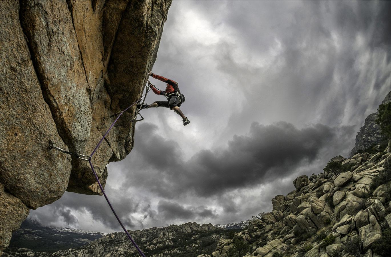 Climbing Pedriza, © Javier Sanchez, CVCEPHOTO Contest