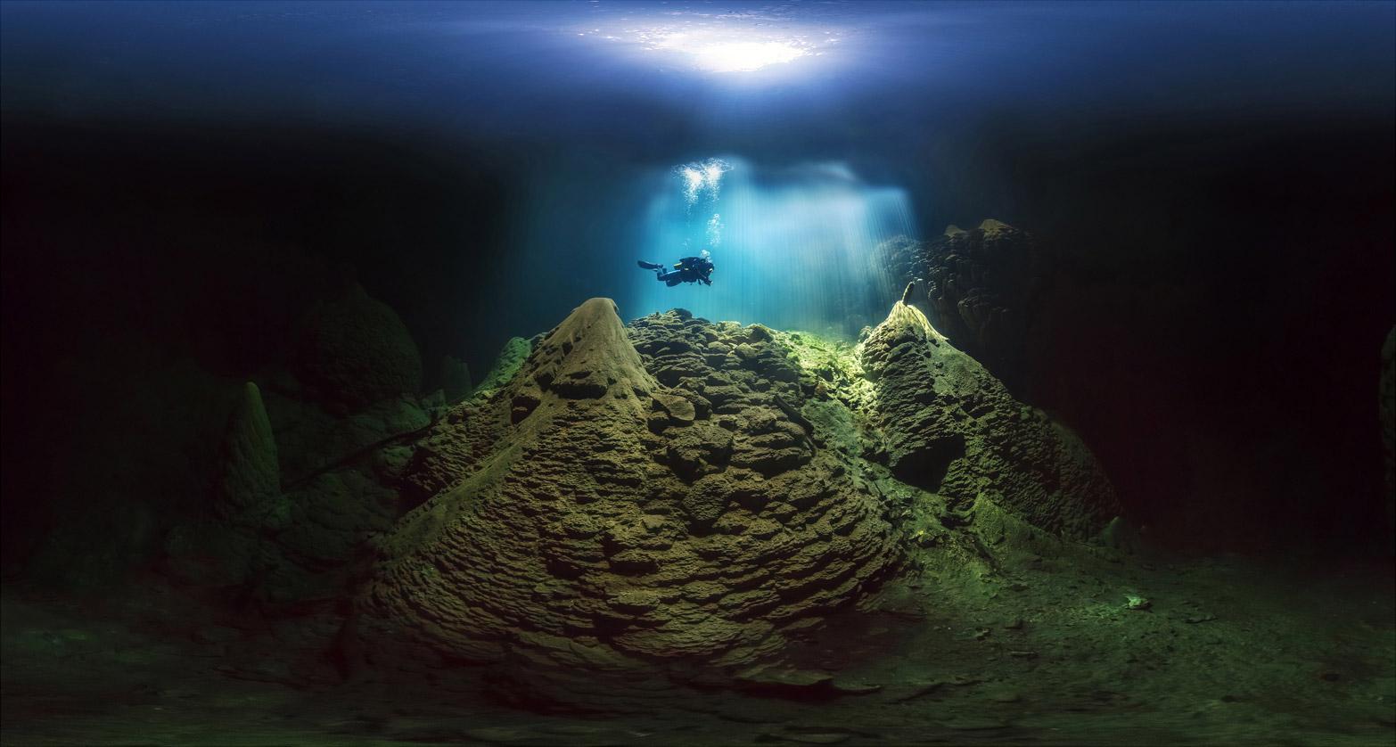 Cave Diving, © Marcio Cabral, CVCEPHOTO Contest