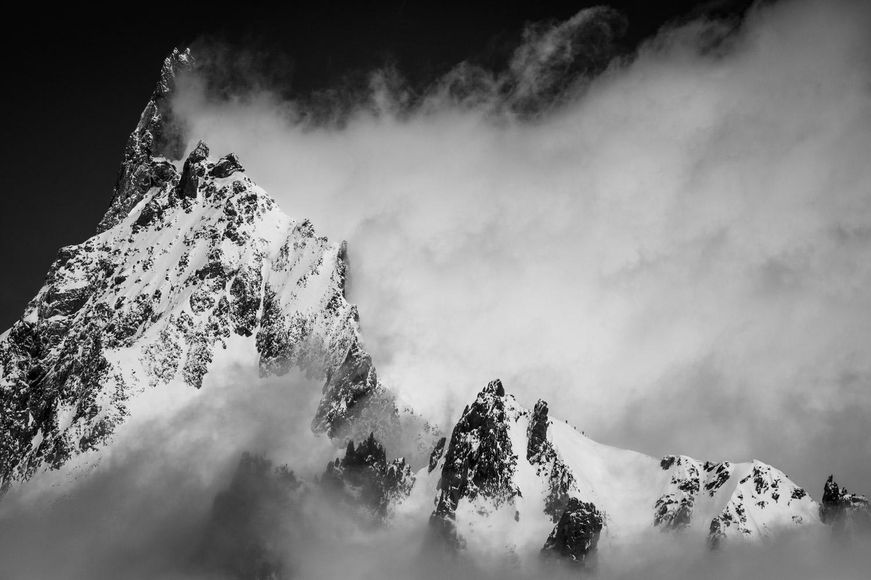 Dent du Geant, Assault, © Thomas Crauwels, CVCEPHOTO Contest