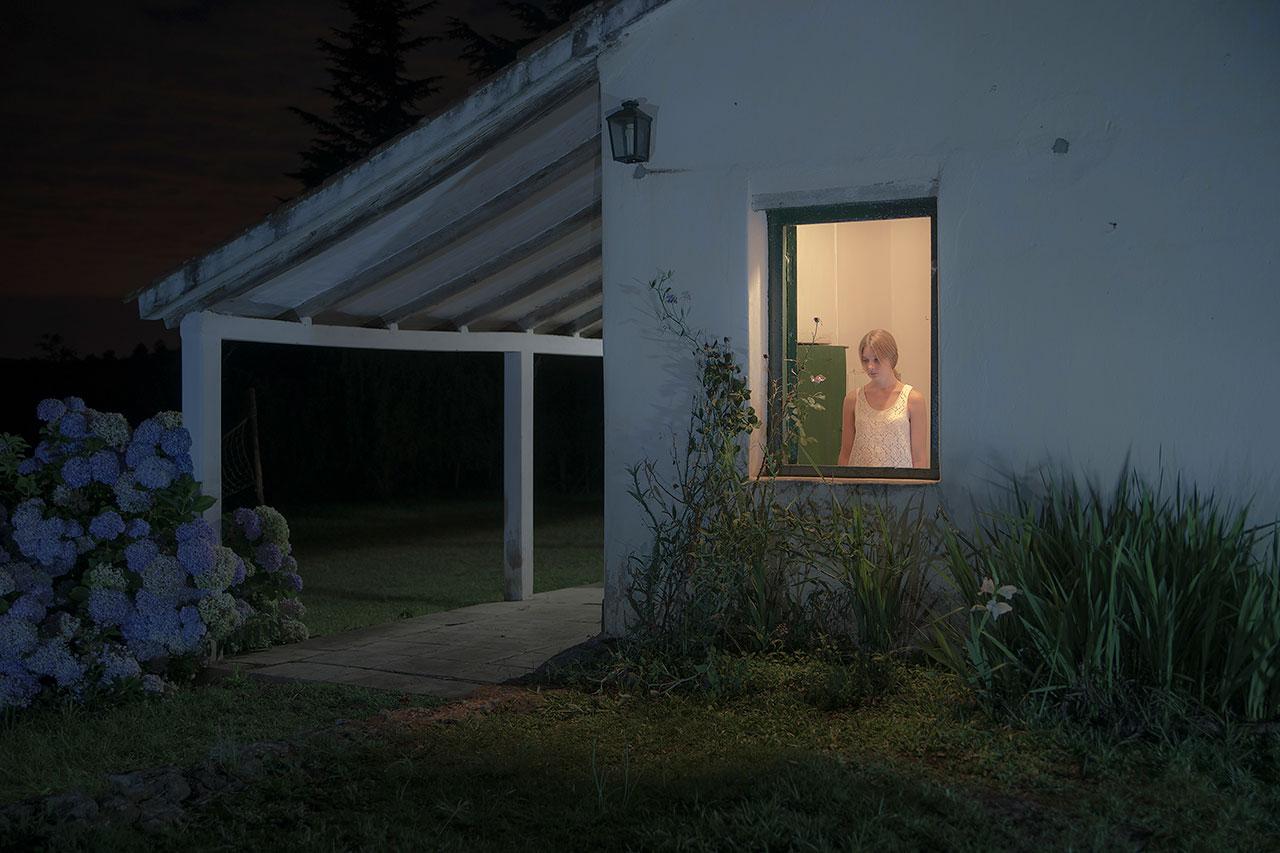 Are you There?, © Rodrigo Illescas, Provincia de Buenos Aires / Argentina, Portrait Category Winner, Felix Schoeller Photo Award