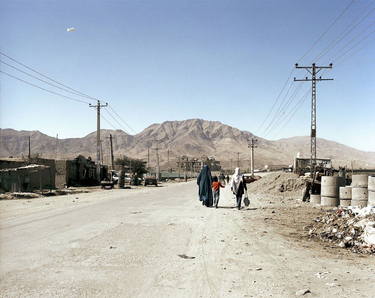 © Antonio Ottomanelli, On the road to Darul Aman Palace, from the series Big Eye Kabul, 2013, Foam Talent Call