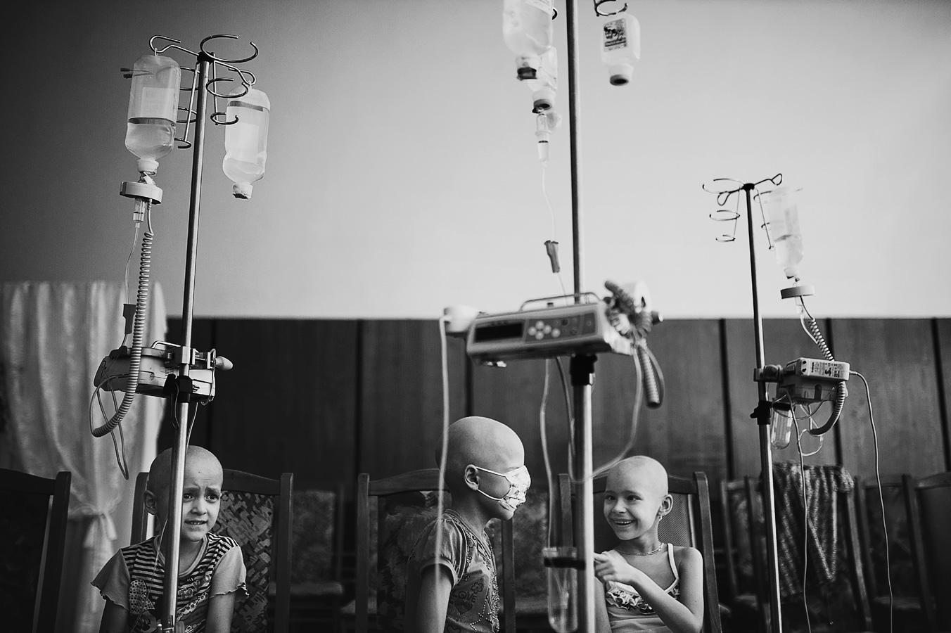 Angels of the Clinic, © Anton Unitsyn, Russian Federation, «The Challenge» Category, 5st prize winner, Hamdan International Photography Award - HIPA