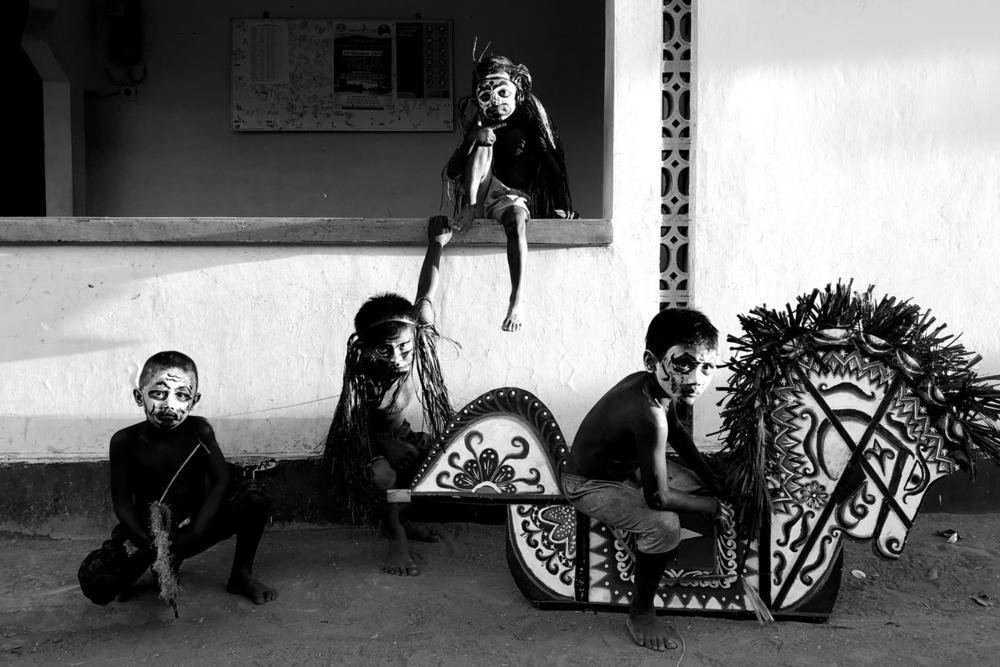 The Boys from Carnival, © Muhana Syafiquddary, Huawei Next-Image Awards