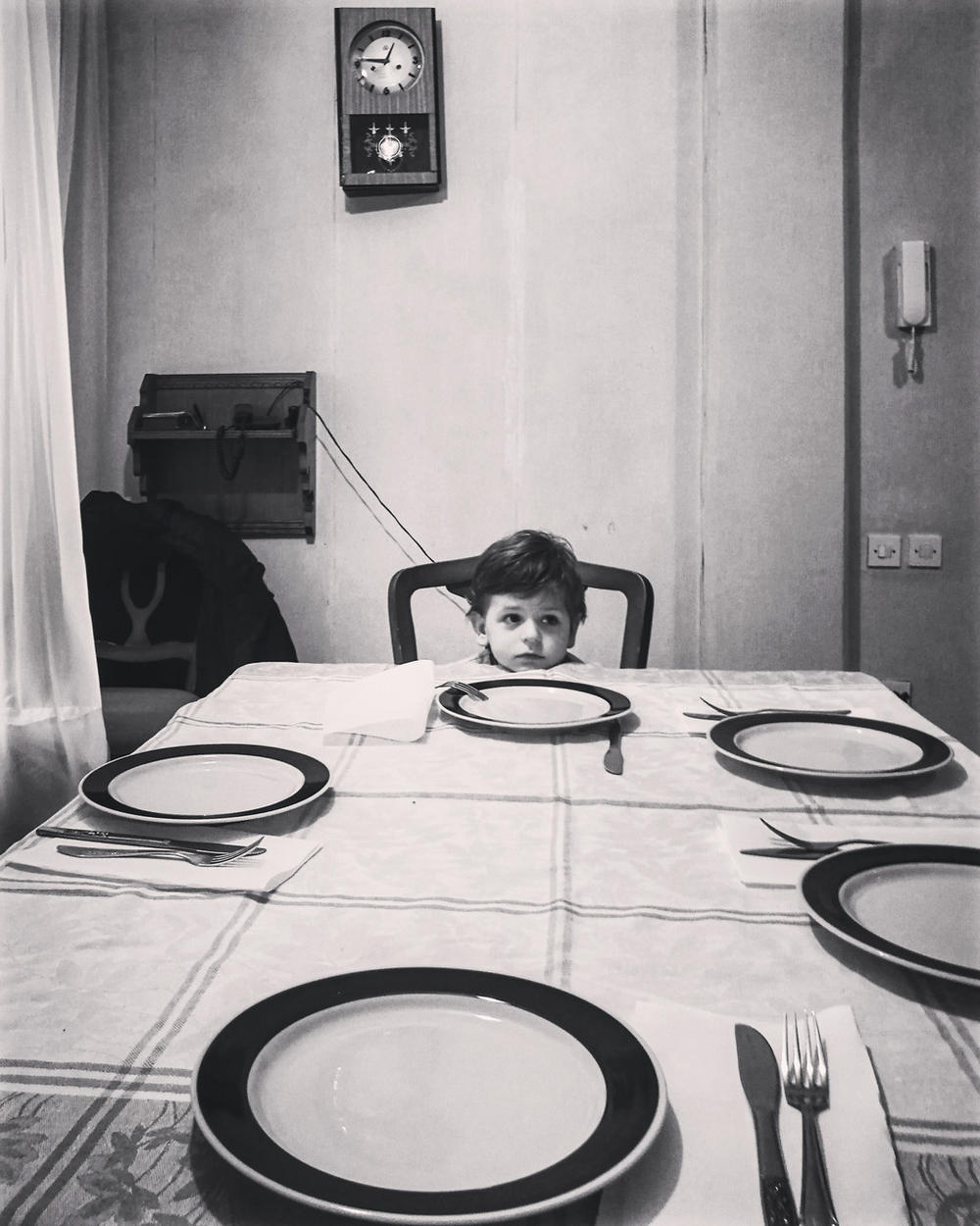 Long Waiting for a Family Lunch, © Marko Risovic, Huawei Next-Image Awards