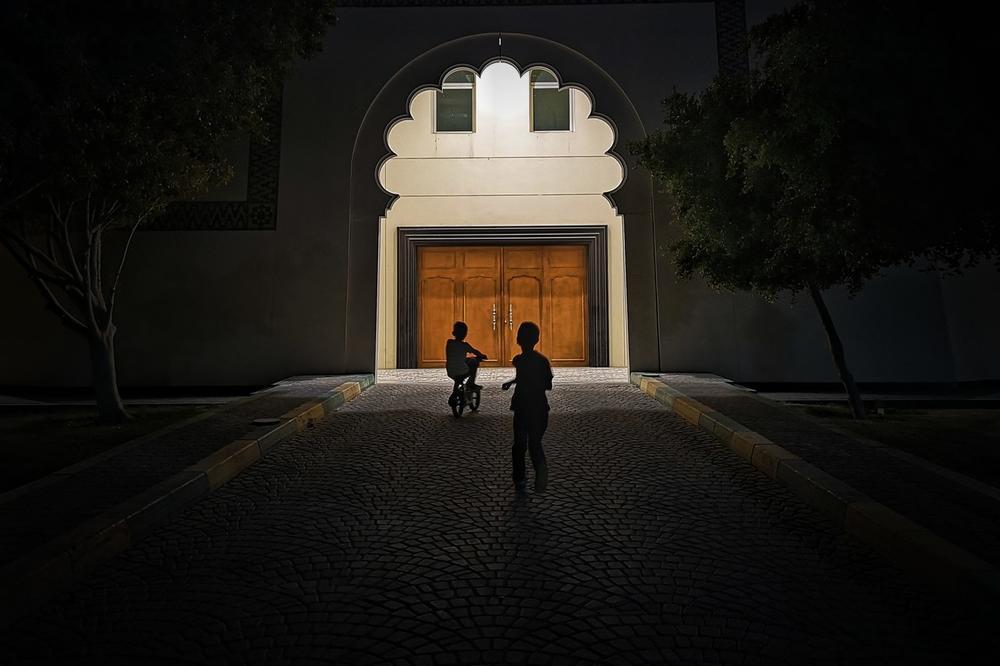 Night Play, © Tawpee, Huawei Next-Image Awards