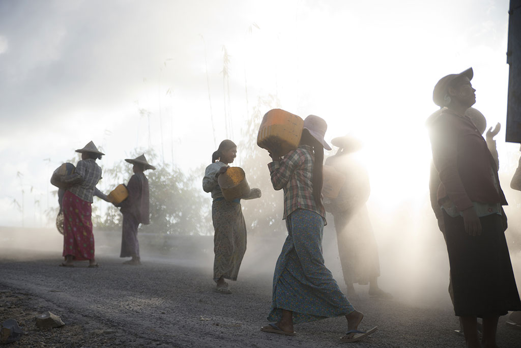 Workers, © Alberto Cob, Ikei Photo Contest