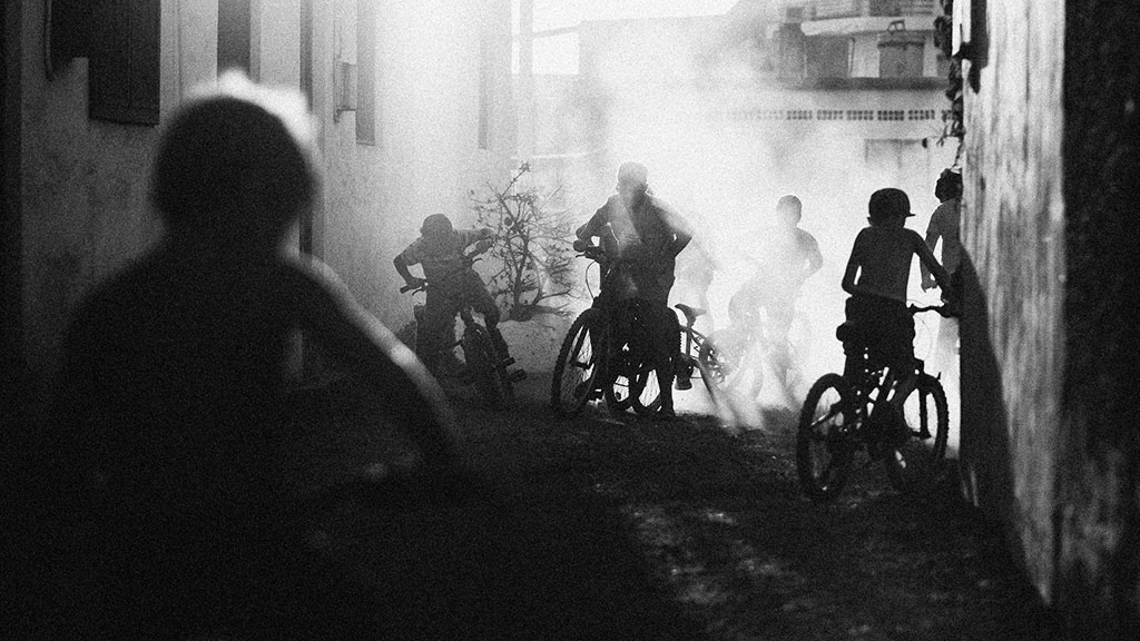 Jinetes Urbanos, © Dominic Francisco Martín Dähncke, Ikei Photo Contest