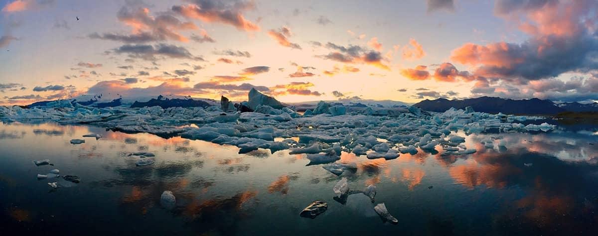 Icebergs, © Mateusz Piesiak, Poland, 1st Place – Panorama, IPPAWARDS - iPhone Photography Awards
