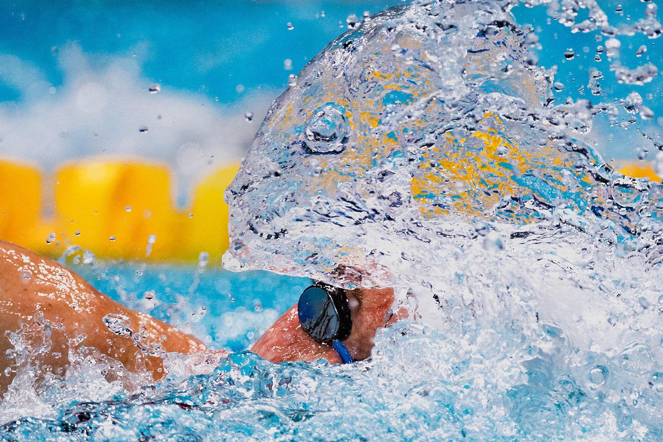 Athlete vs. Animal / Hungary, © Lukas Schulze, Germany, Single Sports 1st Prize, Istanbul Photo Awards