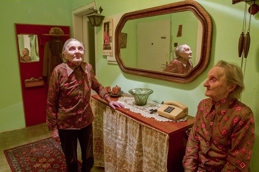 Fading Out, © Ivana JAŠMINSKÁ, Czech Republic, 3rd Place Category A: Defining Family, Kuala Lumpur International Photoawards 2017 Winner