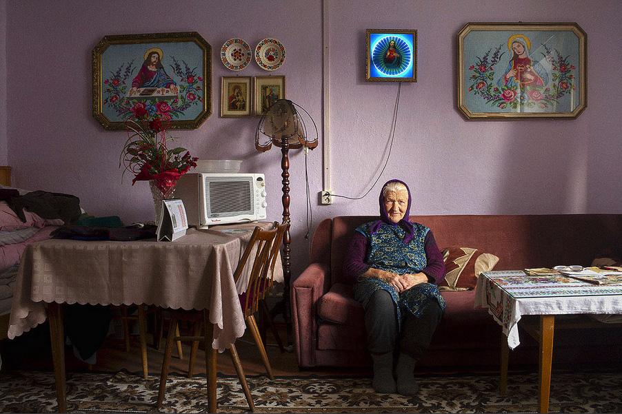 Rusyns, © Ivana JAŠMINSKÁ, Czech Republic, Finalist Category A: Defining Family, Kuala Lumpur International Photoawards 2017 Winner