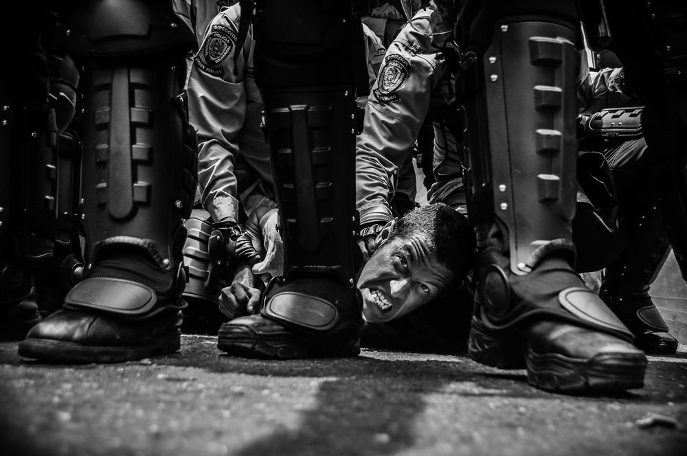 The Arrest of Luis Theis, © Anthony Ascer Aparicio, Venezuela, 3rd Place Single, LensCulture Exposure Awards