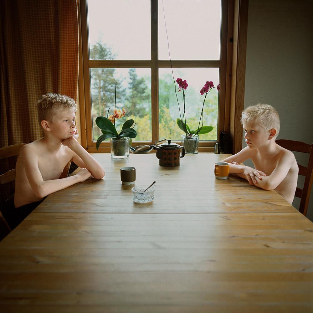 Silent Dialogues, © Viktoria Sorochinski, Germany, Finalist, LensCulture Portrait Awards