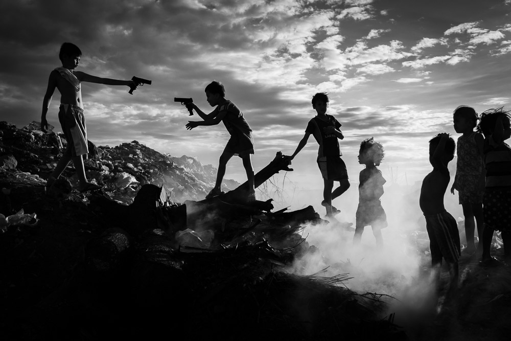 Toy Gun, © Rene Bernal (Philippines), Monochrome Discovery of the Year 2018 (Amateur), Monochrome Photography Awards