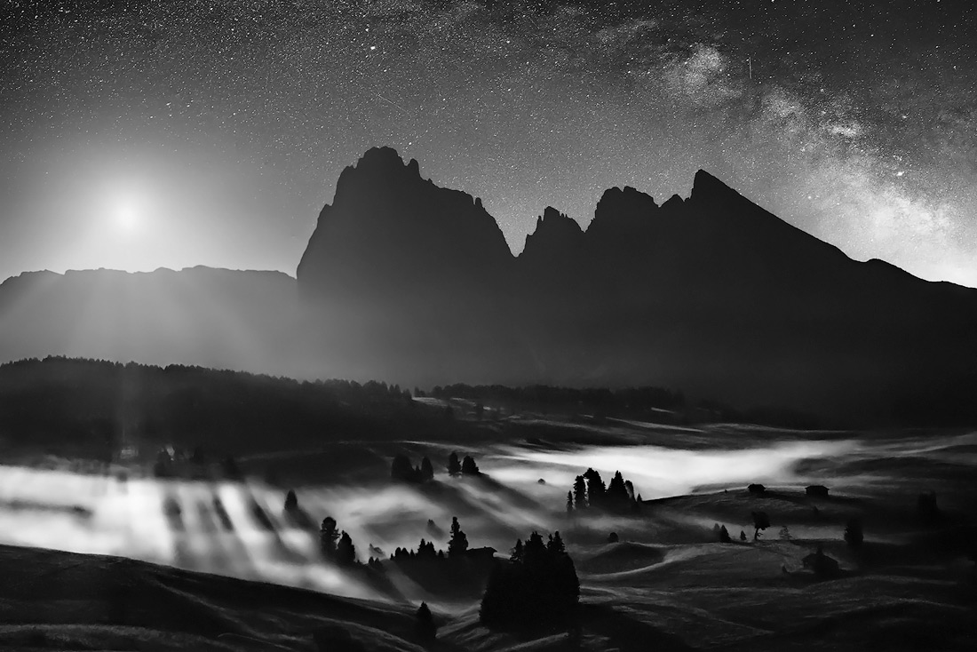 The magic of the night, © Isabella Tabacchi, Italy, 1st Place - Black & White Landscapes Photo Of The Year 2017, MonoVisions Photography Awards