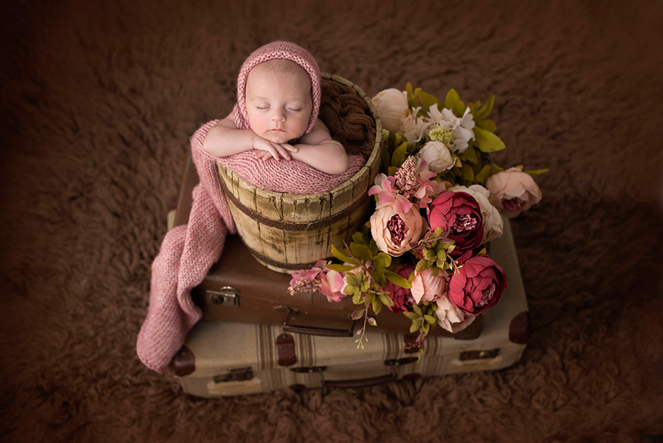 Baby Traveler, © Verónica Teban, Spain, Newborns Photo Contest