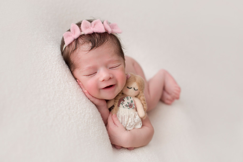 Sweet Doll, © Verónica Teban, Spain, Newborns Photo Contest