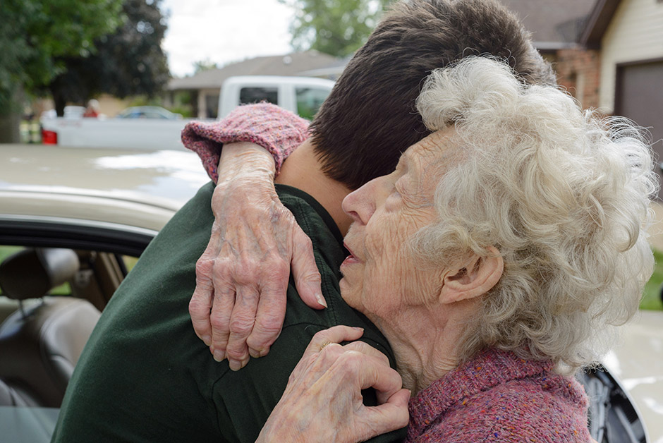 Leaving Grandma, © Deanna Dikeman, 3rd Prize, Nikon Photo Contest