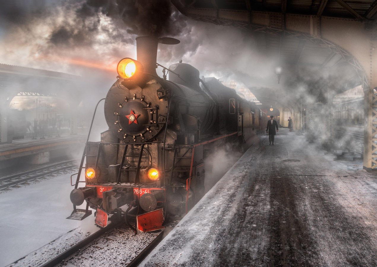 Train arrival, © Alexander Atoyan, Russian Federation, Campina Exhibitions Silver Medal, Onyx International Exhibition of Photography