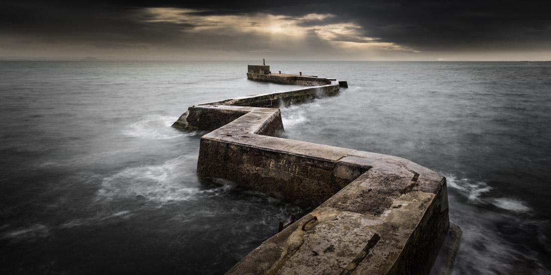 Spine, Scotland, © Darren Moore, UK, 2017 Major Amateur Winner, EPSON International Pano Awards