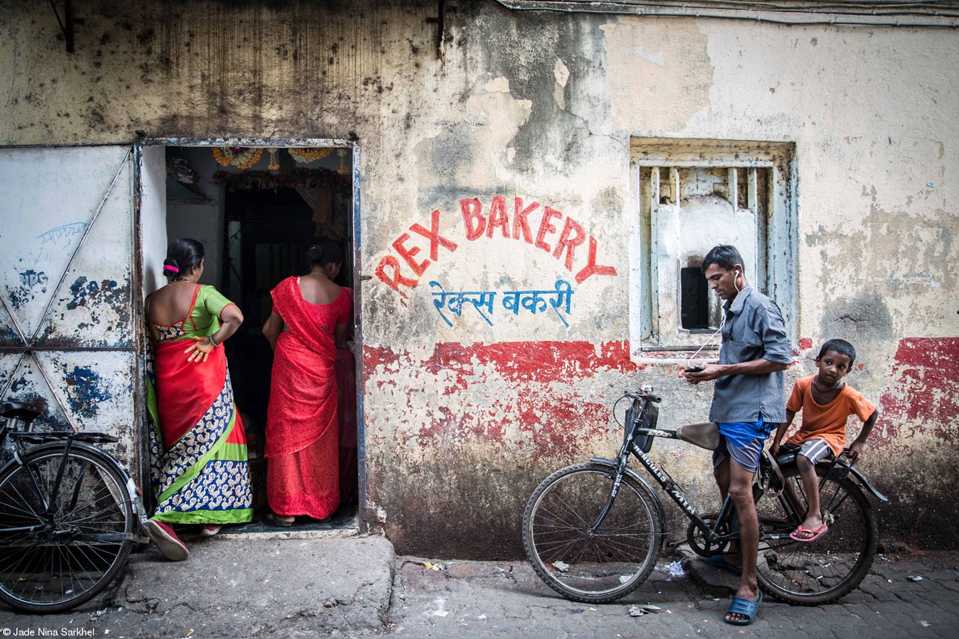 Rex Bakery, © Jade Nina Sarkhel, United Kingdom, 1st Place, Food for Sale, Pink Lady Food Photographer of the Year