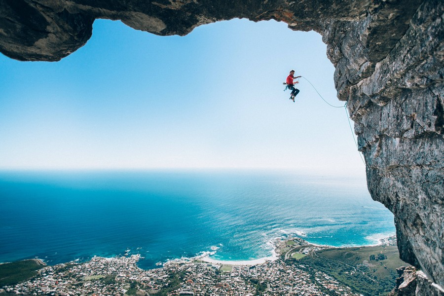 Category winner 2016 : Wings, © Micky Wiswedel, Athlete : Jamie Smith, Location : Cape Town, South Africa, Red Bull Illume - Image Quest
