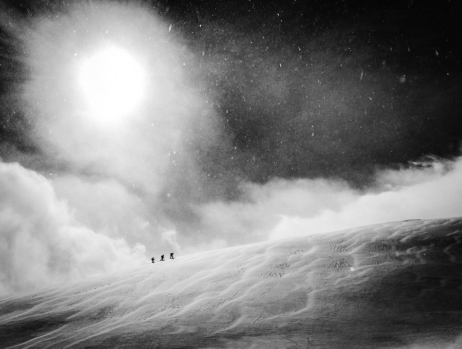 Category winner 2016 : Mobile, © Vegard Aasen, Athlete : Unknown, Location : Hakuba, Japan, Red Bull Illume - Image Quest