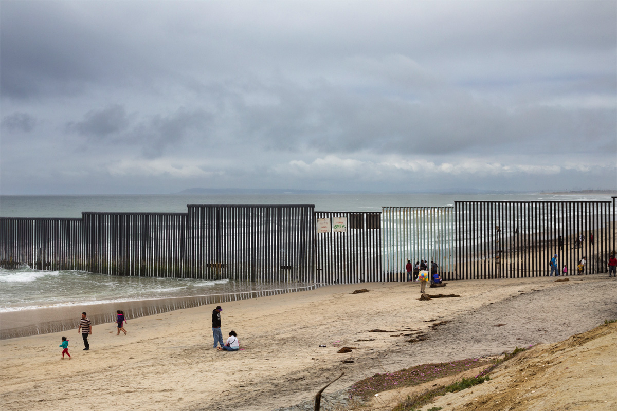 US-Mexico Border — Border Wall, © Griselda San Martin (United States), Renaissance Photography Prize