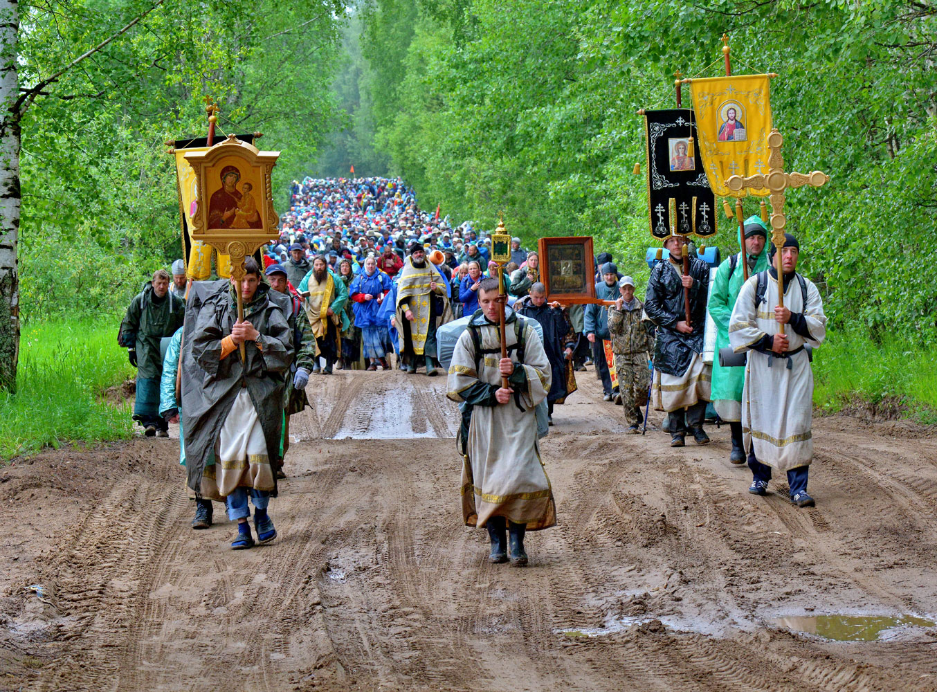 Religious procession under the icon of St. Nicholas the Wonderworker, © Stanislav Shaklein, 3rd Place, Russian Civilization International Photo Contest