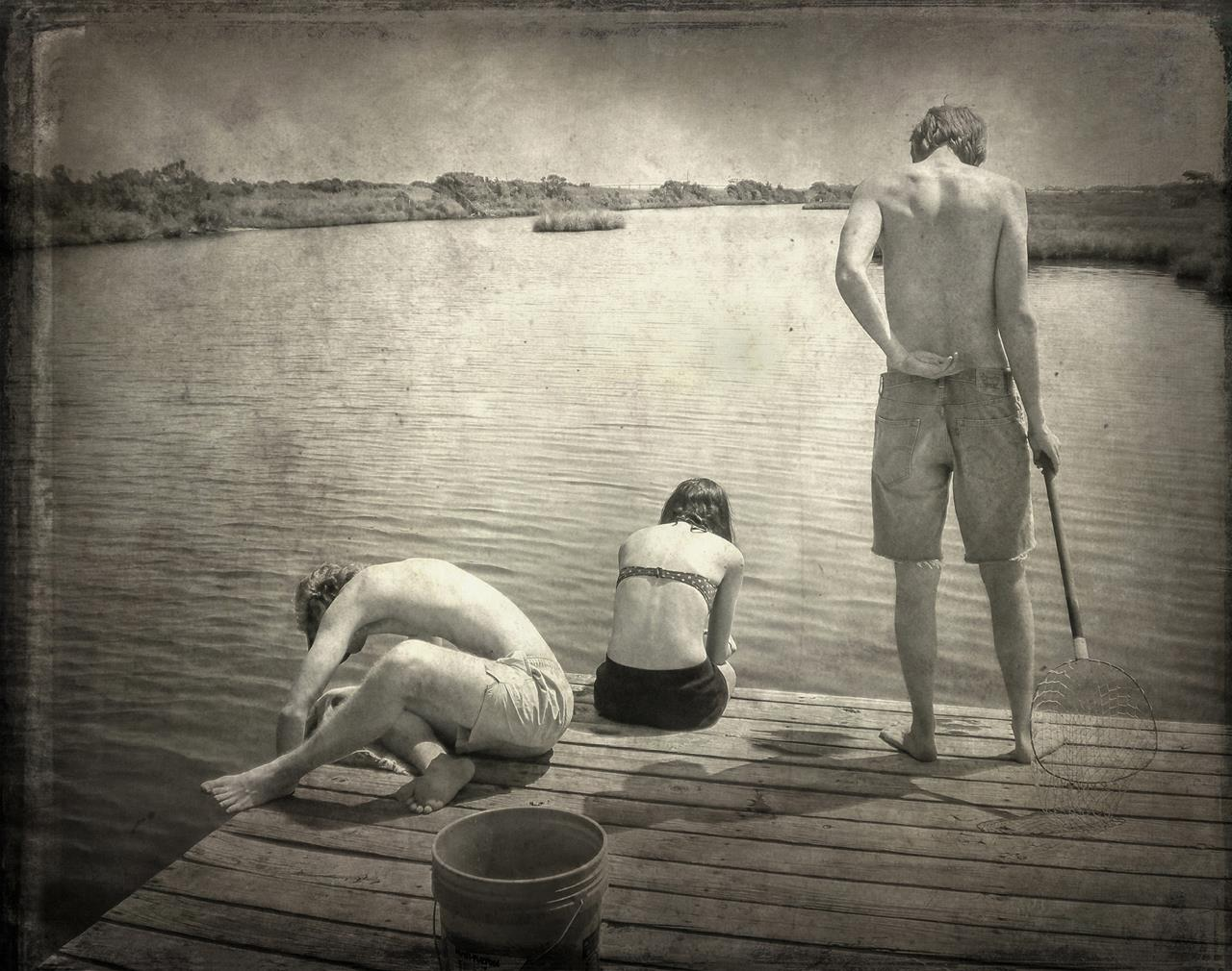 Crabbing, © Dale Niles, Fayetteville, GA, First Prize, Santa Fe Photographic — Summer vacation