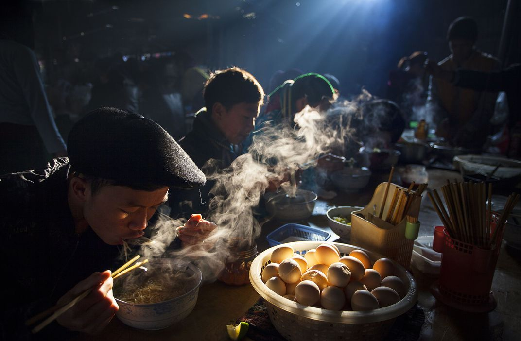 Breakfast at the Weekly Market, © Thong Huu, Grand Prize, Smithsonian Photo Contest