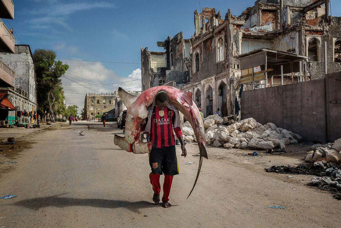 The Girls of Mogadishu Are Heading Back to the Beach, © Marco Gualazzini, Juror's Pick Winner, Street Photography Awards