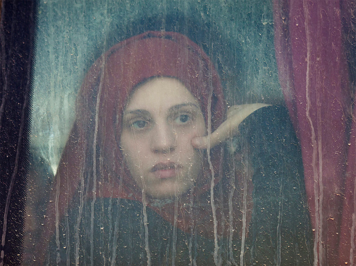 Fleeing Mosul, © Abbie Trayler-Smith, From the series Women in war: Life after ISIS, Second Prize, Taylor Wessing photographic Portrait Prize