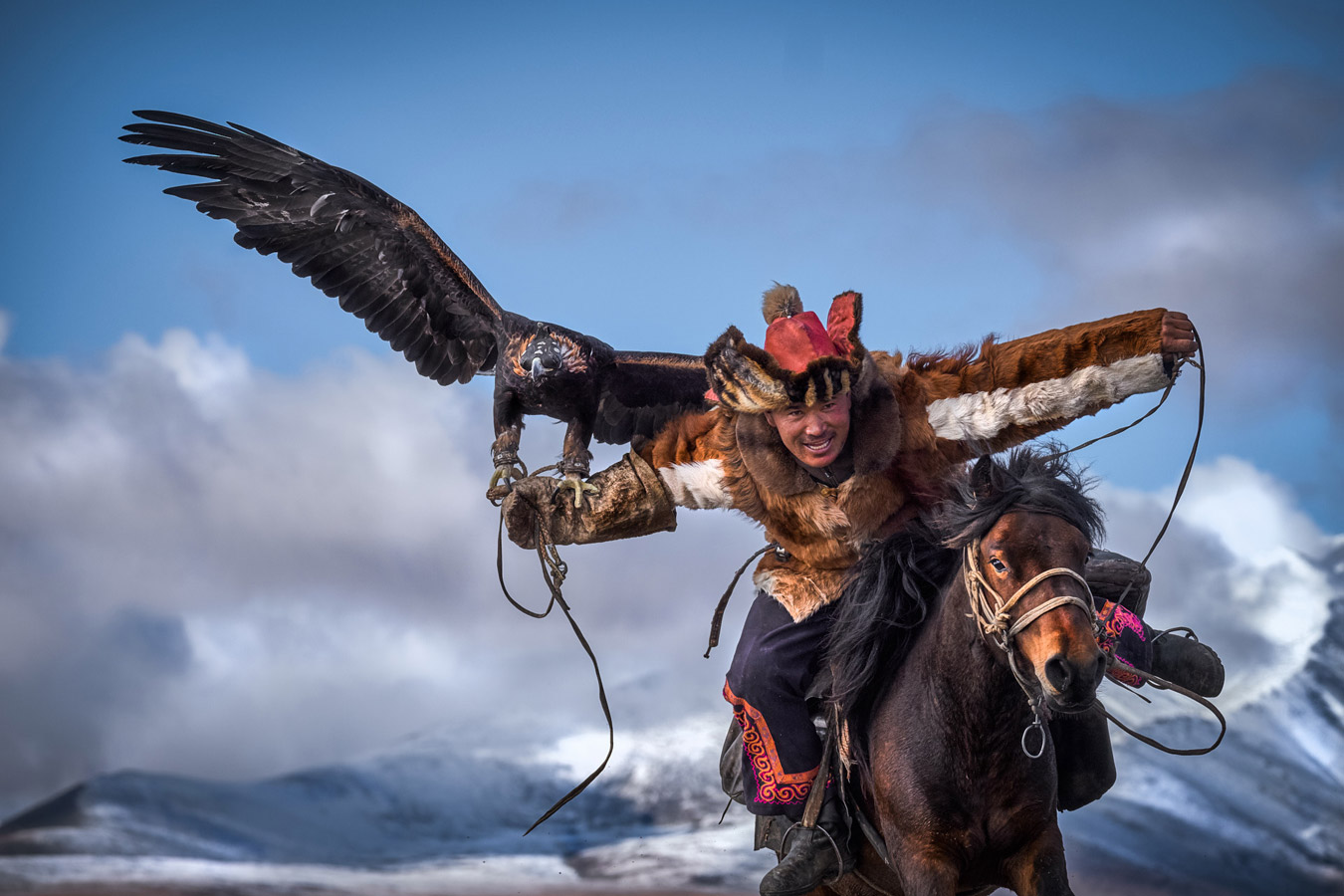 The Eagle's Hunter, © Simone Raso, Comerio, Varese, Italy, First Place Professional : Action/Adventure, The Great Outdoors: Landscape & Wildlife Photography Contest