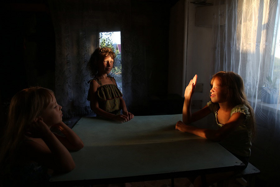 Sisters, © Yulia Kononenko, First Place Man Nomination, Point On The Map Photo Contest. Photo Parade in Uglich