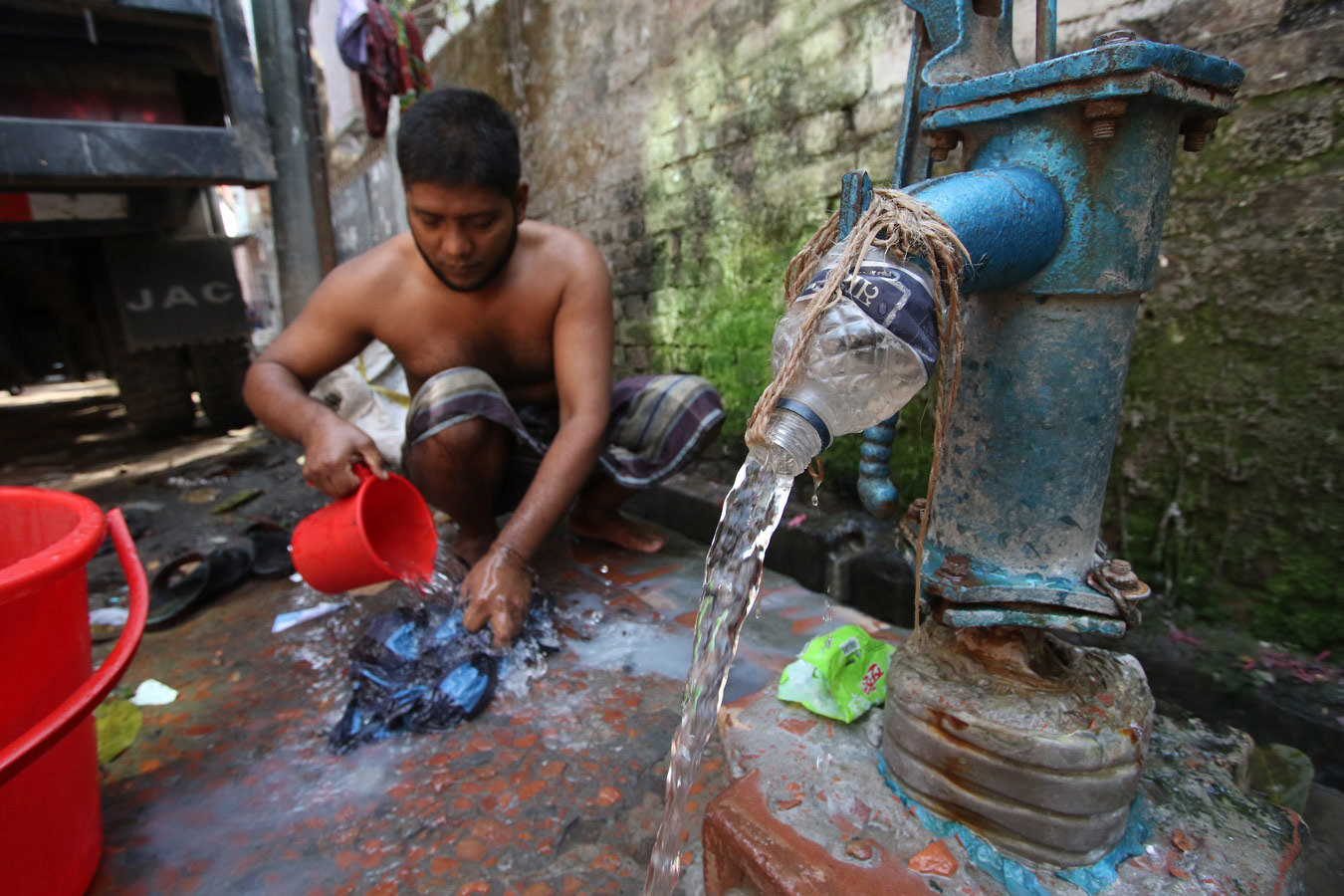 © Sudeepto Salam, Gender and Water Integrity Photo Competition